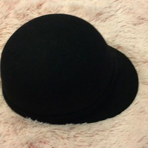 NWOT black wool hat from Forever 21